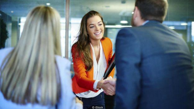 4 consejos para sacar el mejor provecho de los primeros 30 segundos de tu entrevista de trabajo